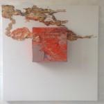 ALCHIMIE TELLURIQUE EN TROIS DIMENSIONS. Alberto Reguera, 2014. 100 x 100 x 17 cm, technique mixte.,,